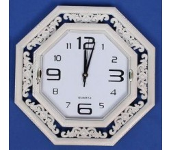 Настенные белые часы